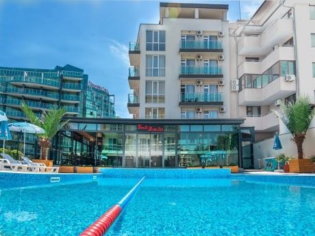 01 - 10 юли в Приморско! Нощувка на човек със закуска и вечеря + басейн в хотел Свети Димитър