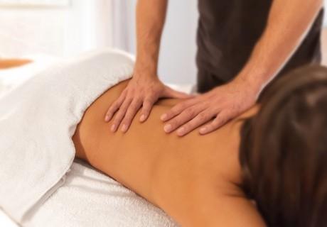 30мин. масаж на гръб по избор от лечебен, антистрес или дълбокотъканен с масло по избор от салон за красота Alga Beauty & Spa, София