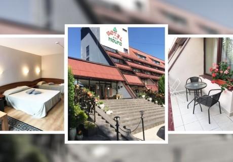 Семейна почивка в Боровец! Нощувка за двама с дете + басейн и сауна в хотел Мура***