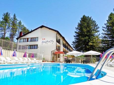 Нощувка на човек със закуска, обяд* и вечеря + басейн в хотел Велиста, Вонеща вода