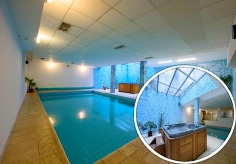 Нощувка на човек + басейн, сауна и джакузи в хотел Кап Хаус, Банско