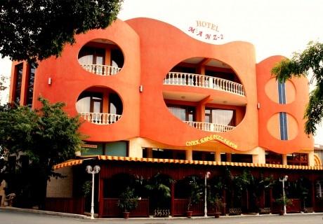 Нощувка за ДВАМА или ТРИМА със закуска или закуска и вечеря от хотел Манц 2, Поморие