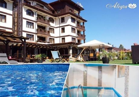 2 нощувки на човек със закуски и вечери + вътрешен и външен минерален басейн + релакс зона от Семеен хотел Алегра, Велинград