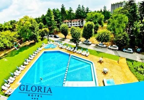 Нощувка на човек със закуска + басейн в хотел Глория***, Св. Св. Константин и Елена. Дете до 13г. - БЕЗПЛАТНО