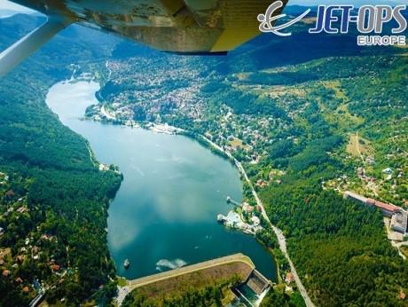 Панорамен полет над над язовир Искър и покрайнините на София за до трима човека от Джет Опс Юръп