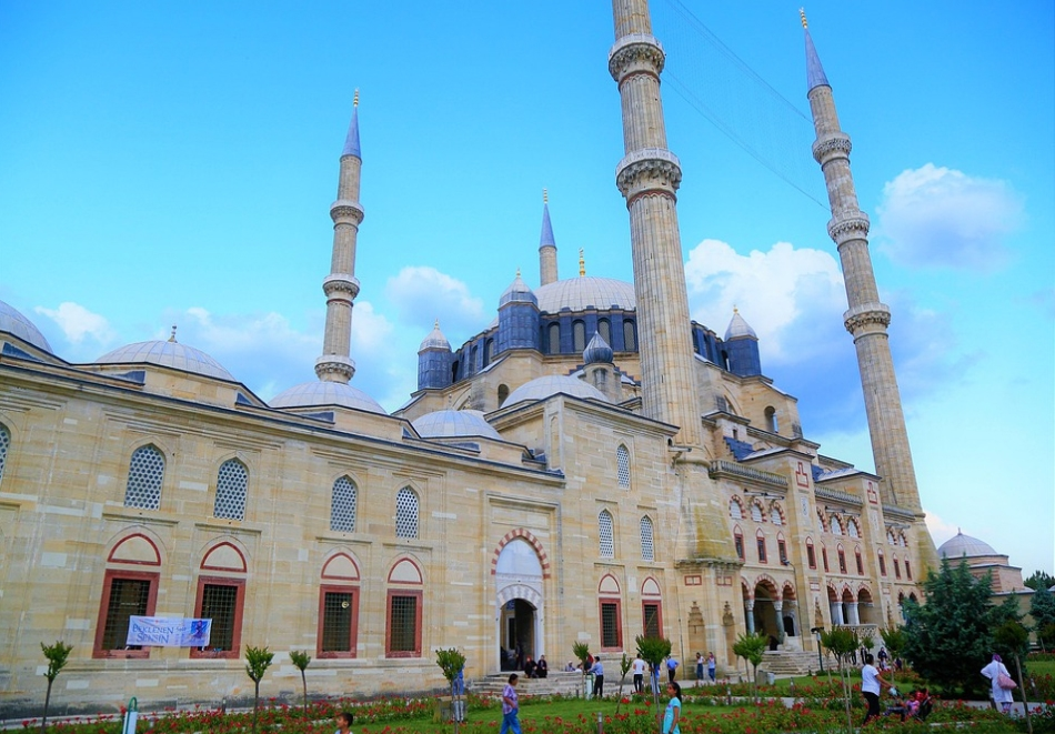 За Русе: Екскурзия до Одрин, Турция! Транспорт, нощувка, закуска, богата туристическа и шопинг програма от  Караджъ Турс