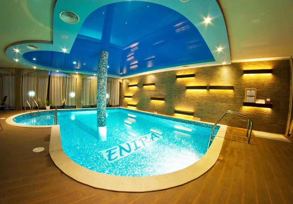 Уикенд във Велинград! Нощувка за ДВАМА, ТРИМА или ЧЕТИРИМА със закуска, вечеря* + открит и закрит минерален басейн + релакс пакет в хотел Енира****