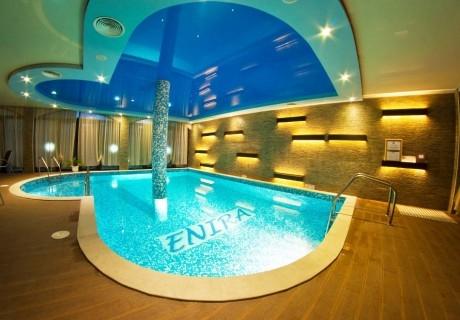 Март във Велинград! Нощувка на човек със закуска и вечеря + открит и закрит минерален басейн + релакс пакет в хотел Енира****