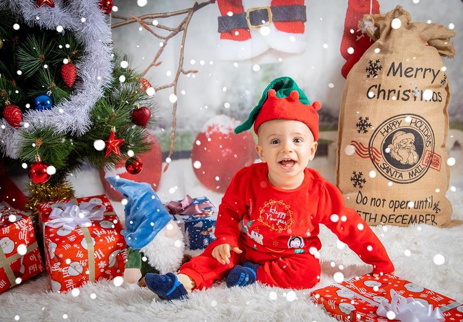 Коледна фотосесия 100 обработени кадъра + 10 подарък от професионален фотограф Чавдар Арсов, София