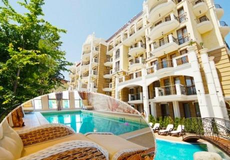 Нощувка в апартамент за двама с две деца или трима + басейн и релакс пакет в хотел Хармони Суитс Дрийм Айлънд, Слънчев бряг