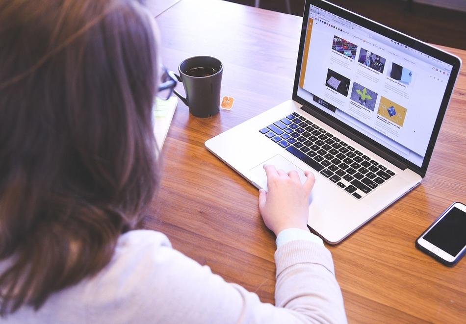 """Онлайн курс """"Уеб маркетинг на взаимовръзките"""" + подарък курс """"Как се правят маркетингови проучвания"""" с достъп 45 дни до платформатаThe Academy Online"""