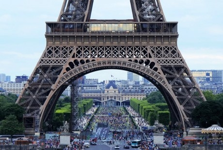 Екскурзия до Париж, Будапеща, Прага, Страсбург, Женева и Милано. Транспорт + 7 нощувки на човек със закуски от България Травъл