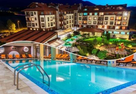 Нощувка на човек със закуска + вътрешен отопляем басейн и СПА зона от Мурите Клуб Хотел, до Банско