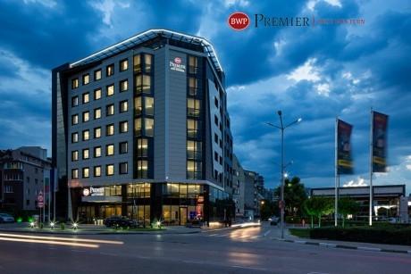 Нощувка със закуска за ДВАМА в хотел Бест Уестърн Премиер****, Пловдив