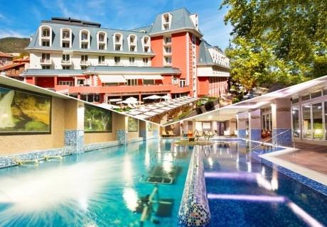Делник в хотел Акватоник****, Велинград! Нощувка в двойна стая на човек със закуска,вечеря* + външен и вътрешен басейн и СПА пакет