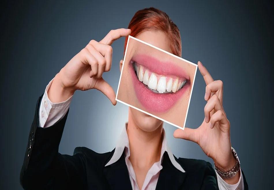 Обстоен преглед, почистване на зъбен камък с ултразвук и полиране в дентален кабинет DentaLuX, София