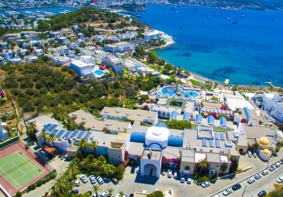 Почивка с дати през май и юни в Бодрум, Турция. Самолетен билет от София + 7 нощувки на човек на база Ultra All Inclusive в хотел Salmakis Resort & Spa 5*