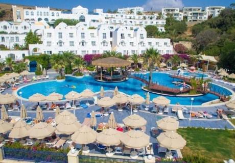 Почивка през август, септември и октомври в Бодрум, Турция. Самолетен билет от София + 7 нощувки на човек на база Ultra All Inclusive в хотел Salmakis Resort & Spa 5*!