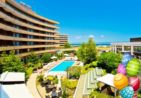 Великден и майски празници в Гранд хотел Поморие! 3 или повече нощувки на човек със закуски и вечери + басейни и обновен СПА център