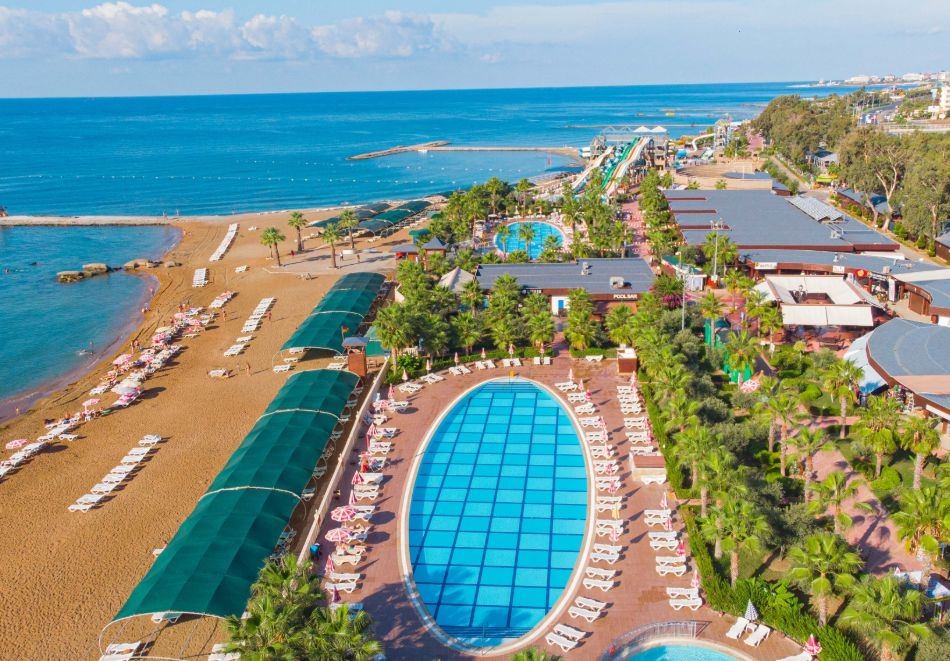 Почивка през юни и юли в Алания, Турция. Чартърен полет от София + 7 нощувки на човек на база Ultra All Inclusive в хотел Eftalia Marin Resort 5*