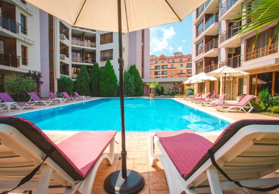3 нощувки на човек на база All inclusive light + басейн в Апарт хотел Магнолия Гардън, Слънчев бряг