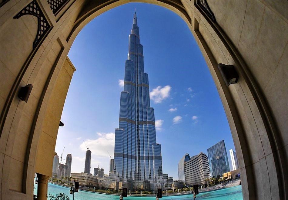 Екскурзия до Дубай през май! Самолетен билет от София + 4 нощувки на човек със закуски и вечери в хотел 4* + полудневен тур на Дубай + круиз Дубай Марина + сафари в пустинята!