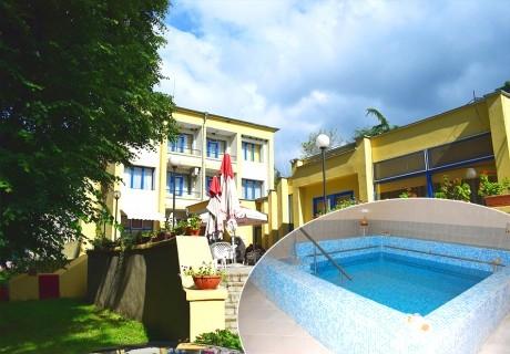 Майски празници в Балнео-хотел Свети Мина, Бургаски минерални бани! 3 или 5 нощувки на човек със закуски, обеди и вечери + балнео процедури или минерален басейн и СПА пакет