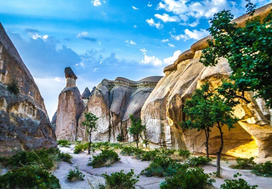 Автобусна екскурзия до Кападокия, Турция през септември и октомври! Транспорт + 4 нощувки на човек със закуски в хотел 3*!