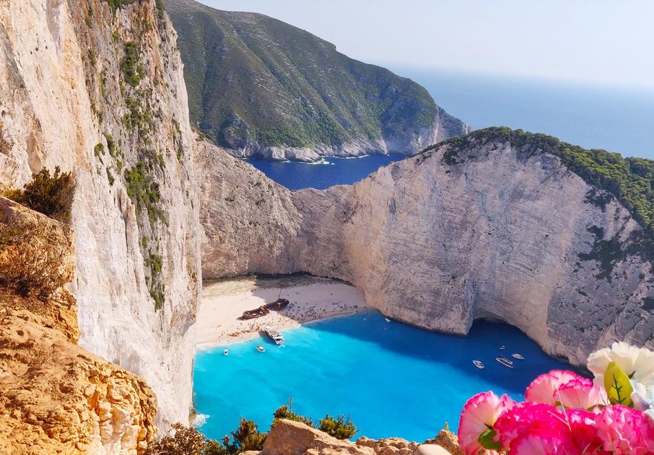 Почивка на остров Закинтос, Гърция от юли до октомври! Автобусен транспорт от София + 4 нощувки на човек със закуски и вечери!