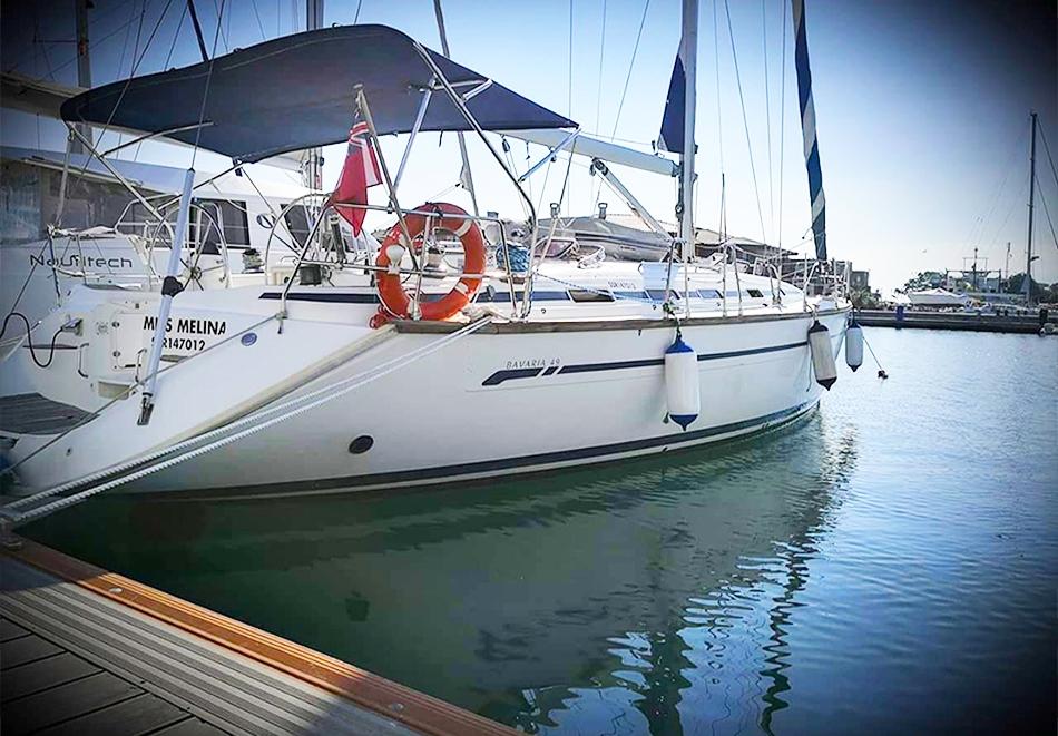 1 час разходка с яхта за до 12 човека + екипаж и гориво от Яхта Мис Мелина