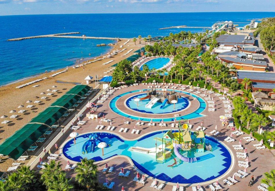 Почивка в Алания, Турция от август до октомври. Чартърен полет от София + 7 нощувки на човек на база Ultra All Inclusive в хотел Eftalia Marin Resort 5*