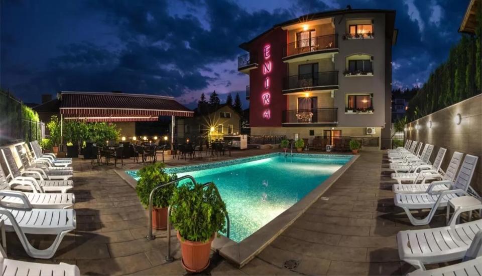Делник във Велинград! 1 или 2 нощувки за ДВАМА със закуски и вечери + открит и закрит минерален басейн и релакс зона в хотел Енира****