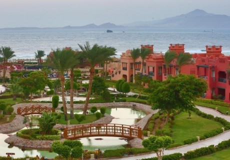Почивка в Шарм ел Шейх, Египет през октомври и ноември. Чартърен полет от София + 7 нощувки на човек на база All Inclusive в Charmillion Sea Life Resort 4*!
