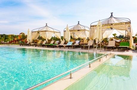5+ нощувки на човек със закуски и вечери* + минерални басейни, СПА, чадър и шезлонг на плажа от Балнеохотел Терма Палас 5*, Кранево. Дете до 11.99г. - безплатно
