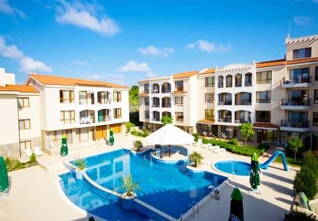 Нощувка за двама + басейн в хотел Парадайс Бей, Созопол