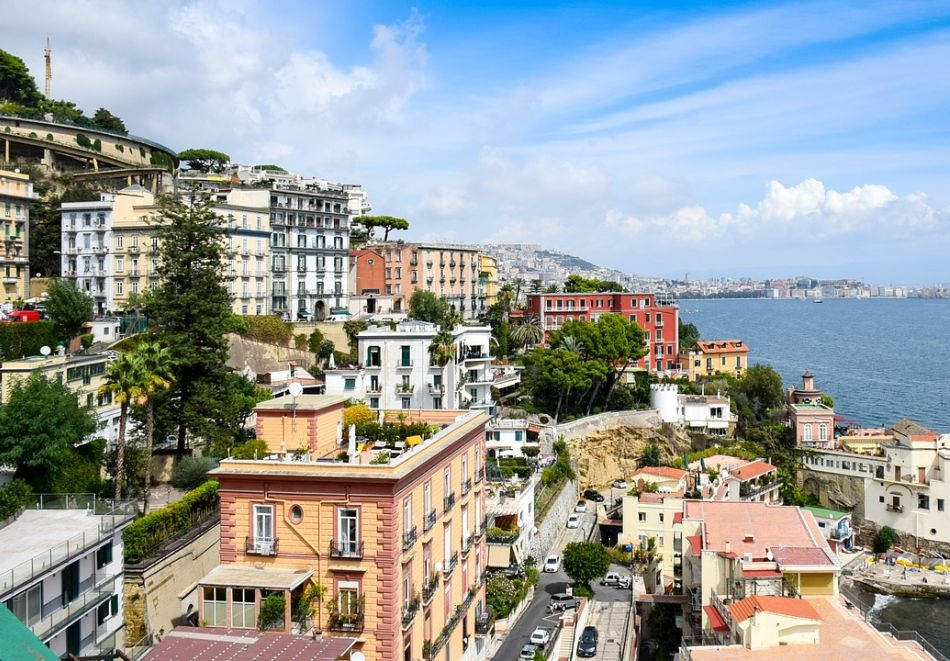 Автобусна екскурзия до Южна Италия с възможност за посещение на Алберобело, Матера, Неапол, Везувий, Помпей, Амалфи, Соренто, Позитано, Бриндизи. Транспорт + 3 нощувки на човек със закуски!