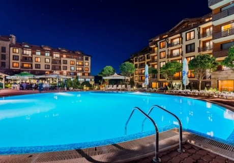 Нощувка на човек на база All inclusive + басейн и Релакс зона от Мурите Клуб Хотел, до Банско