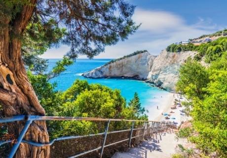 Екскурзия до Лефкада - смарагдовият остров на Йонийско море! Автобусен транспорт и 4 нощувки на човек със закуски в хотел Villagio Maistro 3*!