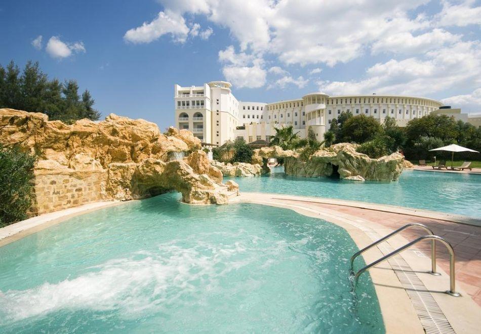 Почивка в Тунис от юни до септември 2021. Чартърен полет от София + 7 нощувки на човек на база All Inclusive в хотел MEDINA SOLARIA & THALASSO 5*, Хамамет!