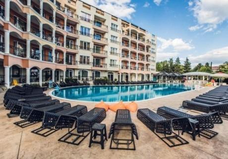 Нощувка на човек на база All Inclusive + басейн и релакс зона в хотел Авеню Делукс, Слънчев Бряг. Дете до 12.99г. БЕЗПЛАТНО!