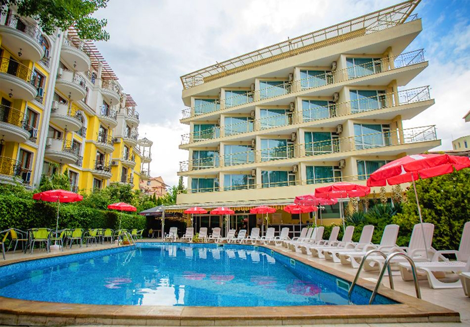 1, 2 или 3 нощувки на човек със закуски + басейн в хотел Дева, Слънчев бряг. Дете до 12г. - безплатно