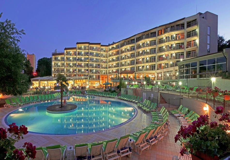 Нощувка на човек на база All Inclusive + басейн в хотел Мадара**** , Златни пясъци. Дете до 12г. - безплатно