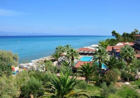 Лято на 150м. от плажа в Ханиоти! 3+ нощувки на човек със закуски + три басейна в хотел Lesse, Халкидики. Дете до 7 и дете до 12 - БЕЗПЛАТНО!