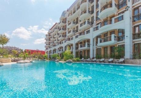 Нощувка на човек + басейн в хотел Хармони Суитс 11-12 Гранд Ризорт, Слънчев бряг