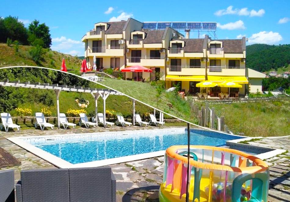 Почивка в Родопите! Нощувка на човек със закуска и вечеря + басейн в хотел Енчеви, с. Кирково, на 8 км. от Гърция