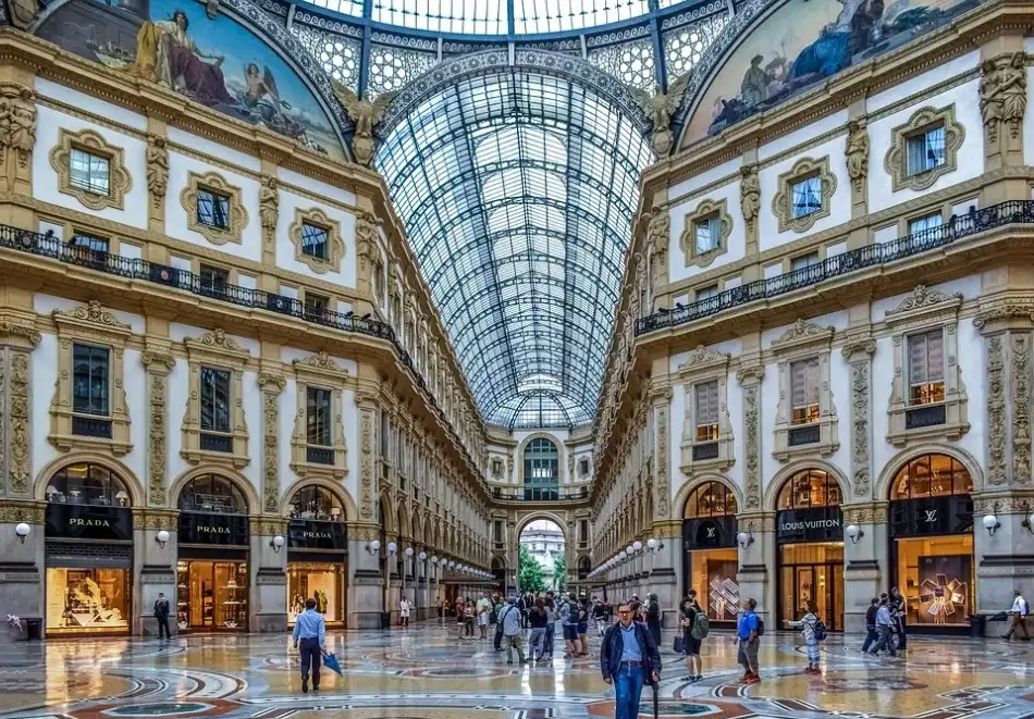 Уикенд екскурзия в Милано, Италия през август и септември! Самолетен билет от София + 3 нощувки и закуски на човек + обиколка на Милано. Възможност за посещение на Лугано и лаго Маджоре!