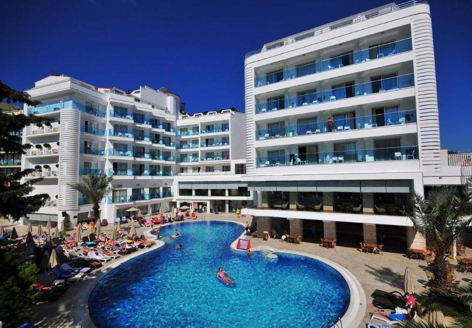 Почивка в BLUE BAY PLATINUM HOTEL 4*, Мармарис, Турция през август и септември 2021. Чартърен полет от София + 7 нощувки на човек на база All Inclusive!