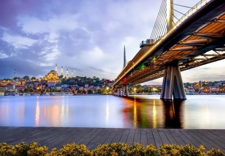 Екскурзия от Варна и Бургас до Истанбул! Транспорт + 2 нощувки на човек + закуски в хотел по избор - 2, 3 или 4* + посещение на Одрин от Караджъ Турс.