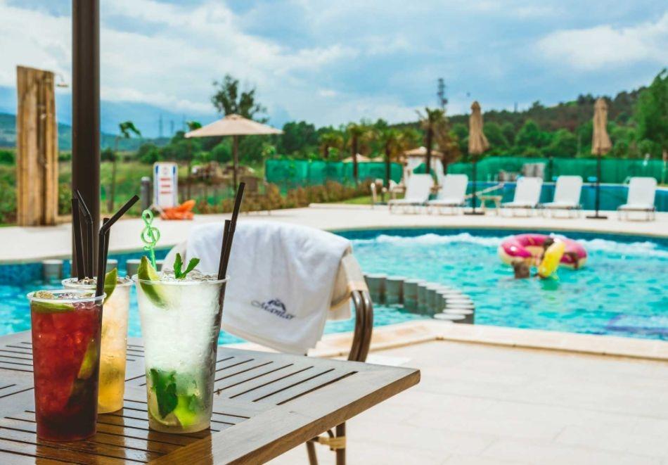 Почивка до Сандански! Нощувка на човек със закуска + басейн и СПА от хотел Мантар, с. Марикостиново