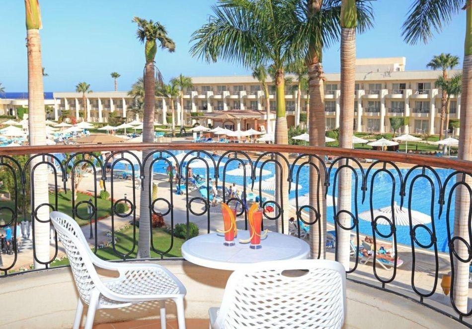 Почивка в Хургада, Египет! Чартърен полет от София + 6 нощувки на човек на All Inclusive в LABRANDA ROYAL MAKADI 5* +1 нощувка, закуска, вечеря и посещение на пирамидите в Кайро